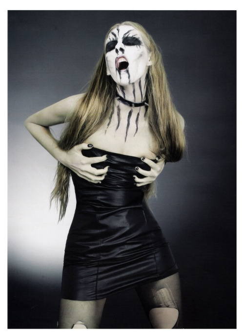 blackmetalbarbie21