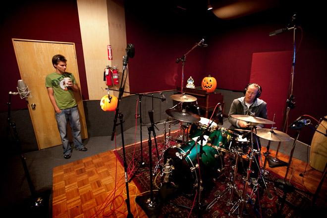 freese_tom_drumming